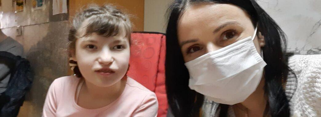 «Богданка вже почала ходити за ручку»: маленькій мешканці Жовківської ТГ дуже потрібні кошти на реабілітацію