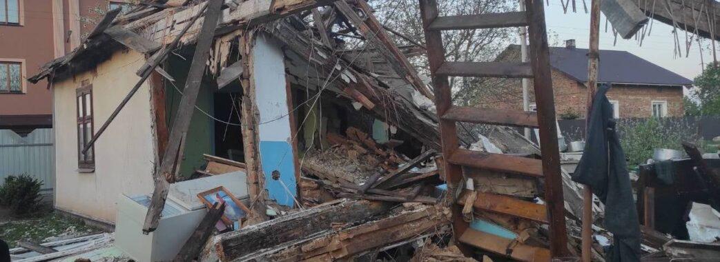 «Сусіди чули, що пахло газом»: у Бродівській ТГ вибухнув дерев'яний будинок(ФОТО)