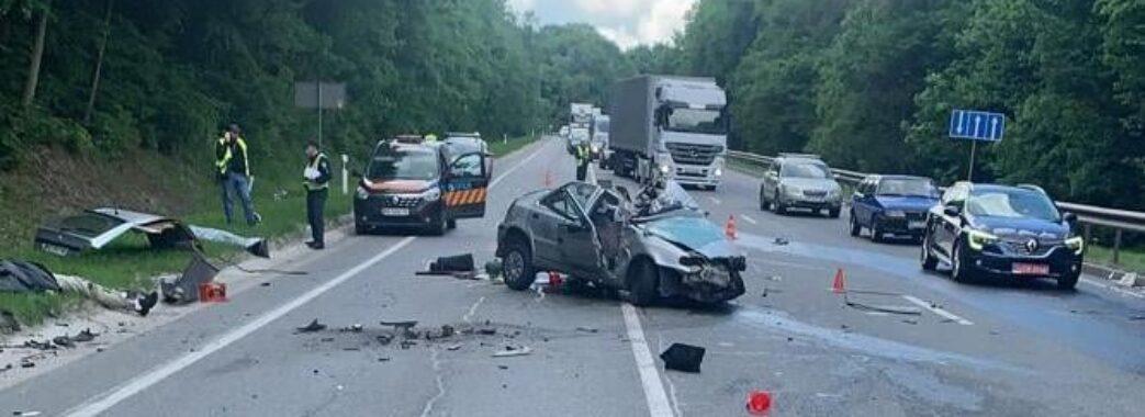 У смертельній аварії біля Львова загинули батько з сином