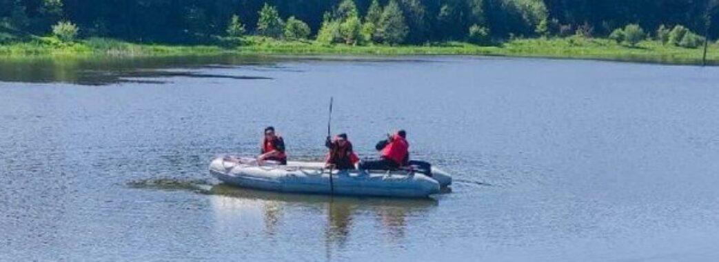 «Друзі намагалися його врятувати»: в озері біля Львова втопився 15-річний підліток