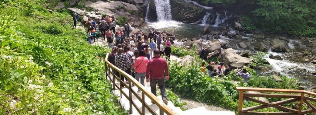 Доступ до водоспаду, де загинув львівський школяр, частково обмежать