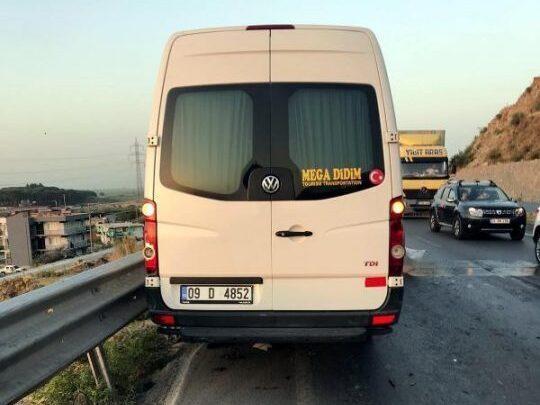 ukraynali-turistlerin-minibusu-otomobile-carp-4-14227247_o-540x720-2