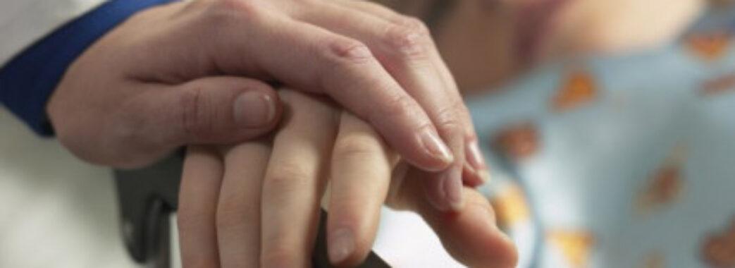 7-річній жительці Мостищини лікарі діагностували правець: дитина під ШВЛ