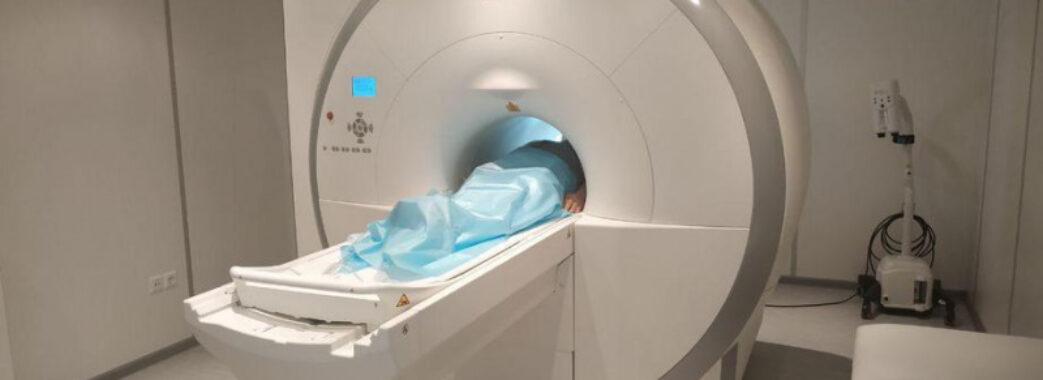 «Дешевше померти»: мешканці Львівщини уже півроку не можуть пройти безкоштовне МРТ-обстеження