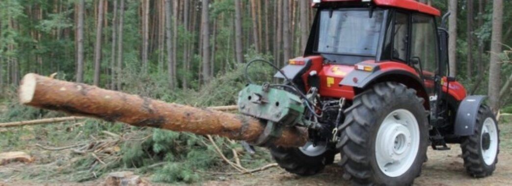 Трактор двічі перекинувся: на Турківщині в лісі загинув чоловік