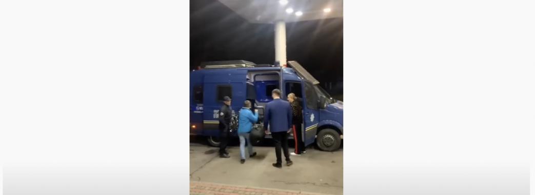 На Львівщині поліцейські підробляють таксистами? (ВІДЕО)